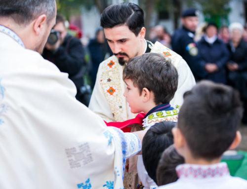 """Parohia bucureşteană Huedin oferă """"Daruri mici pentru suflete mari"""""""